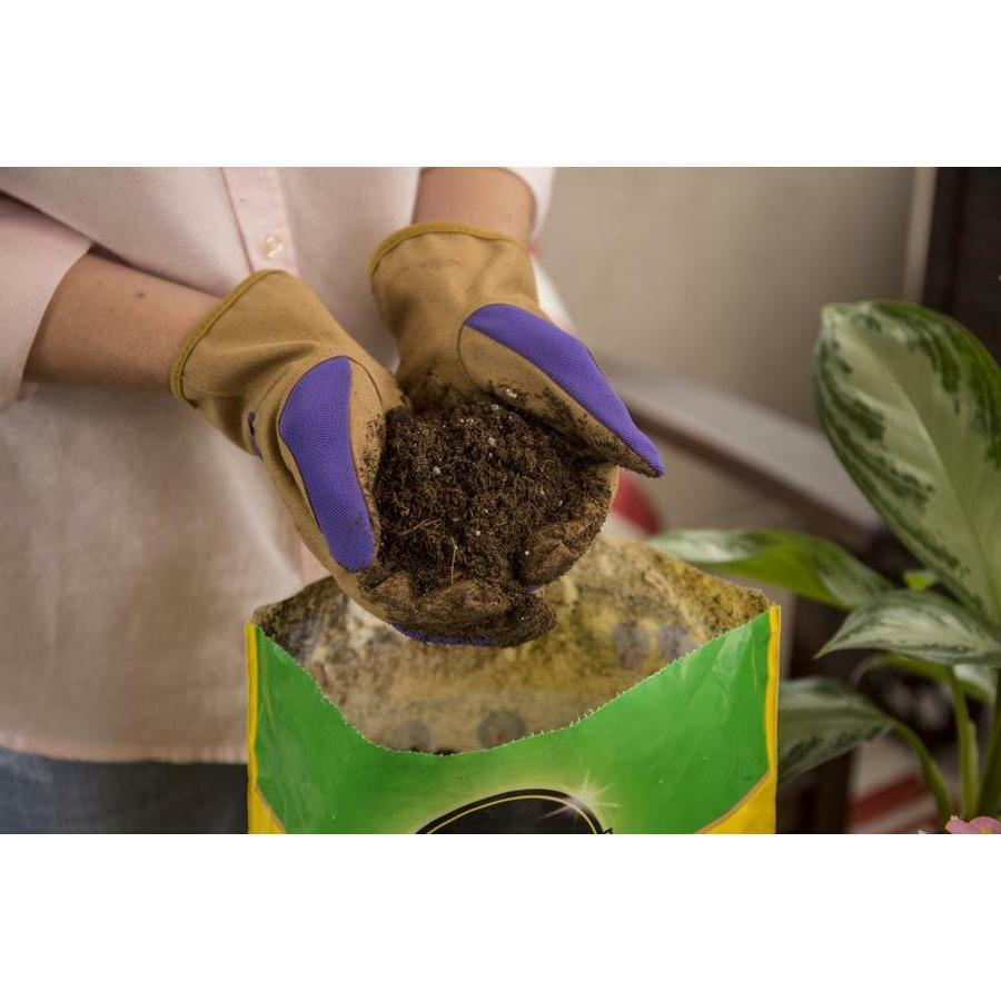 Miracle Gro Mix Soil Quart, Feeds 6 Containers